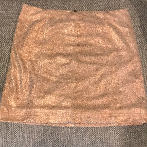 Free People Dresses & Skirts - Free people metallic rose gold skirt size 8